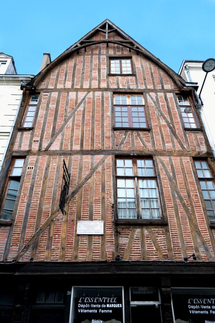 Maison de l'armurier qui réalisa l'armure de Jeanne d'Arc en 1429