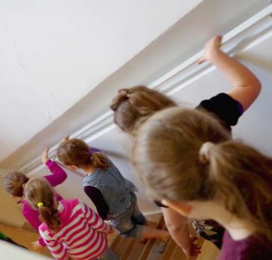 Enfants en visite au musée Sandelin ©musée Sandelin