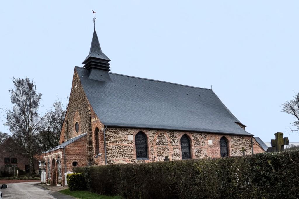Saint-Martin d'Oxelaëre – église rurale flamande (XII–XXème siècles)