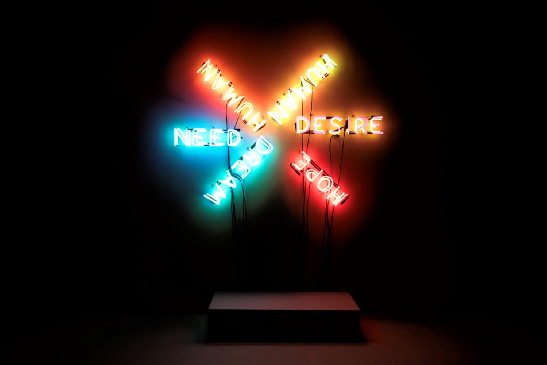 Bruce Nauman, Humain, Besoin, Désir (1983) à partir de néons