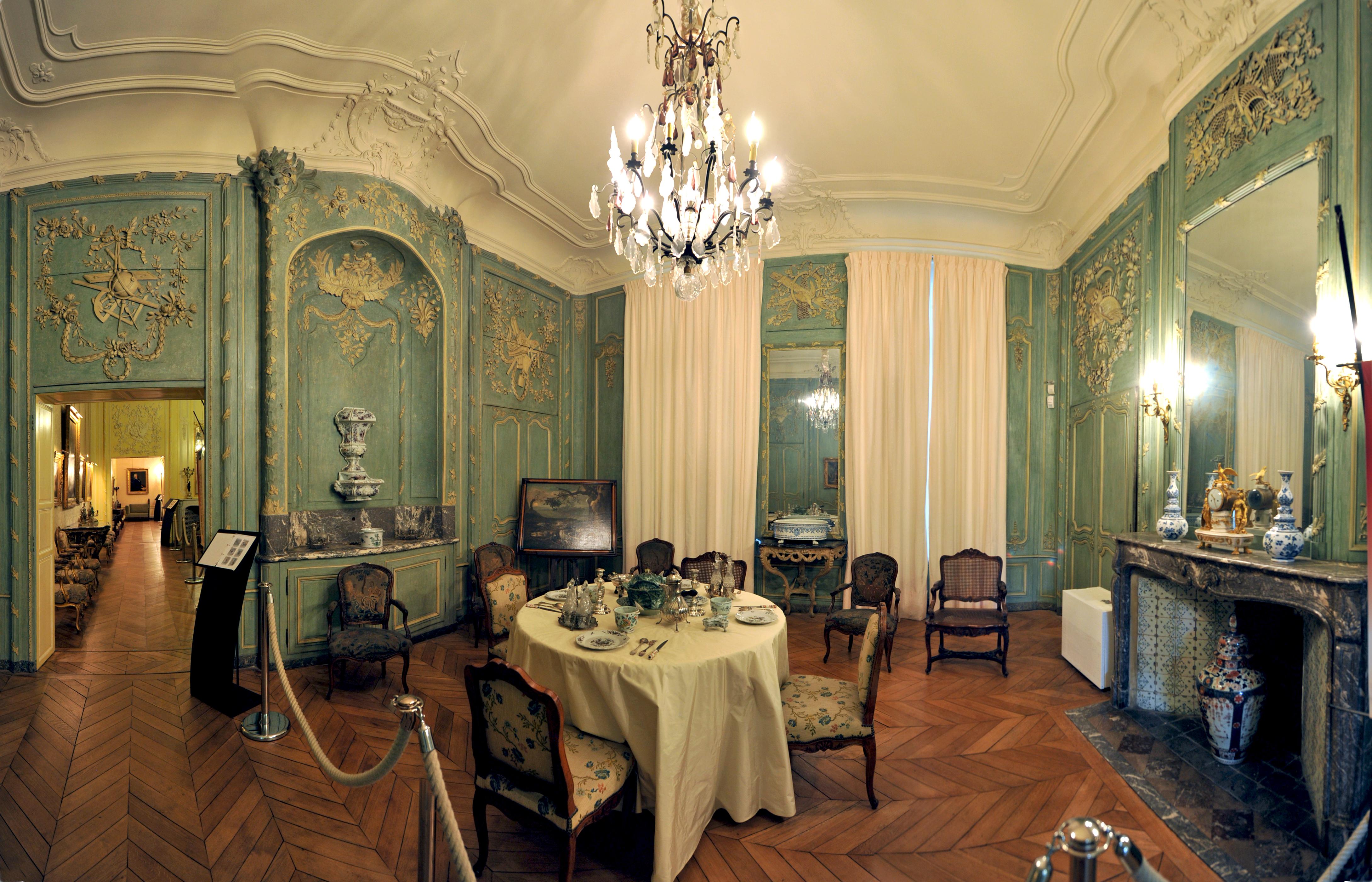 Salon classé - Salle à manger -Musée de l_hôtel Sandelin de Saint-Omer©Carl Peterolff
